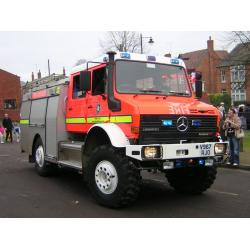 Autospeciala pompieri Unimog 4x4 cu apa si spuma